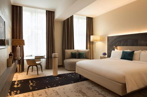 Renaissance Hamburg Hotel, A Marriott Luxury & Lifestyle Hotel impression