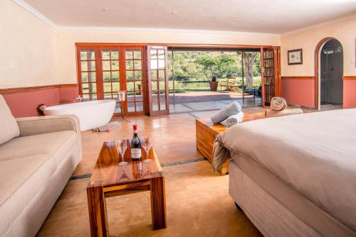 Saragossa Game Lodge Photo