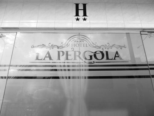 La Pérgola Hotel Tucumán Photo