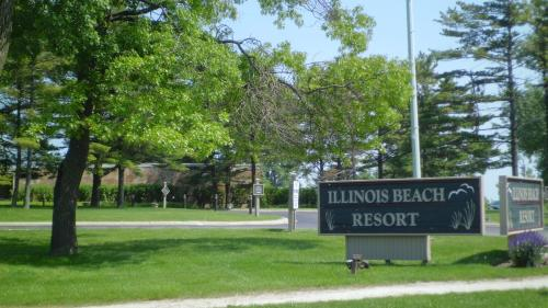 Illinois Beach Resort and Conference Center - Zion Photo