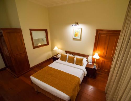 Galle Face Hotel - 5 of 40