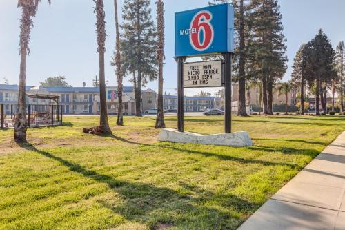 Picture of Motel 6 Visalia