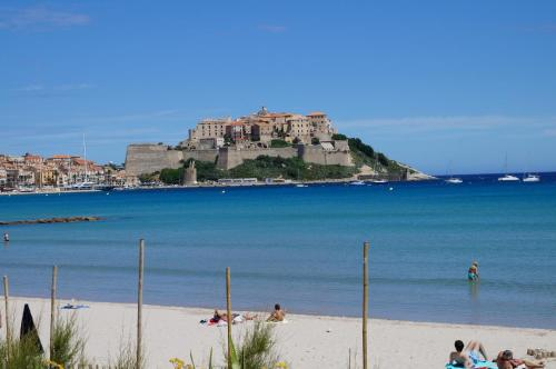 Camping International - Calvi - hebergement