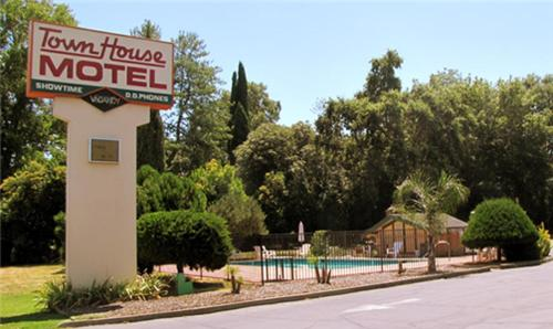 Town House Motel - Chico, CA 95926