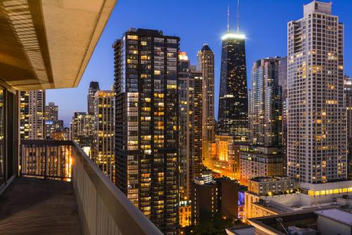Chicago Premier Suites Photo