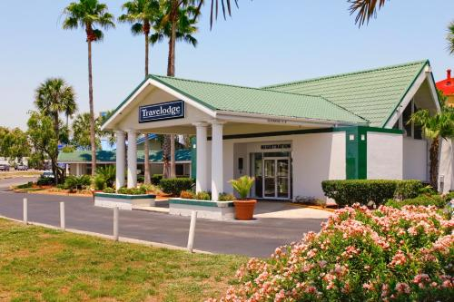Travelodge Lakeland - Lakeland, FL 33809