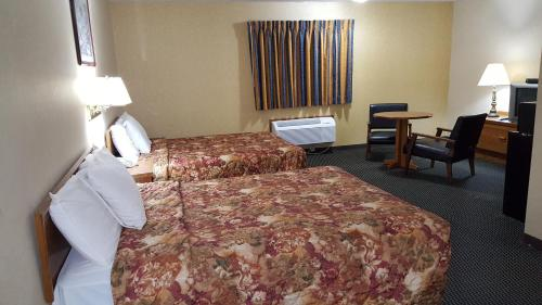 Desoto Inn & Suites Photo