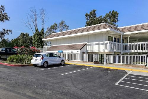Motel 6 Livermore Photo