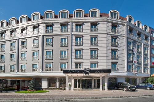 İstanbul Grand S Hotel adres