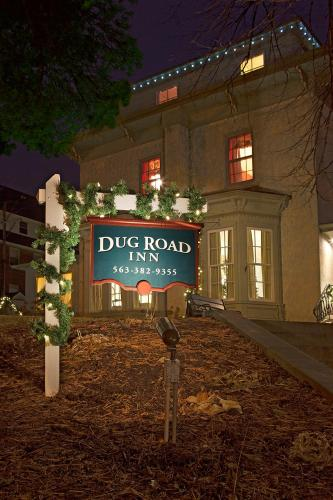 Dug Road Inn Photo