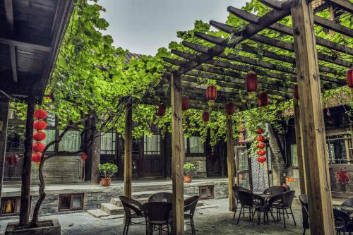 Hill Lily Courtyard photo 17