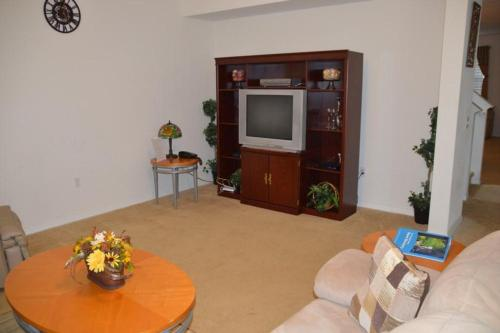1002 Apartment BLV Photo