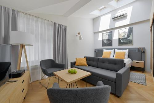 Stradonia Serviced Apartments