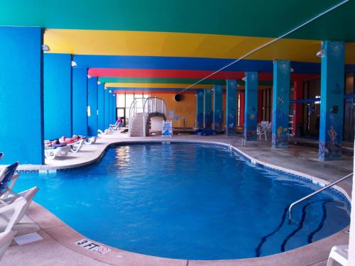 Monterey bay suites myrtle beach sc united states for Pool show monterey
