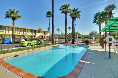 American Executive Inn Mesa Photo