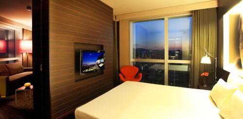 Novotel Barcelona City photo 46