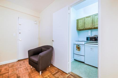 Washington Promenade Apartment Photo