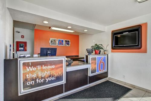 Motel 6 Green Bay Photo