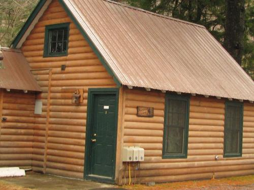 Pine Knoll Lodge & Cabins, Inc. Photo