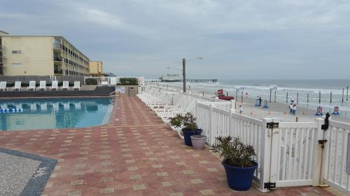 Boardwalk Inn and Suites Photo