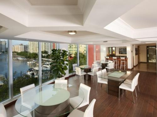 Sunny Isles Beach at Yatch Club Photo