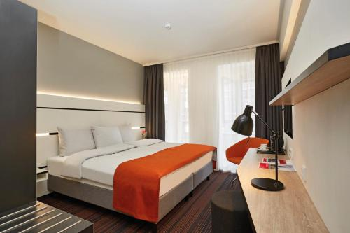 Ramada Hotel Hamburg City Center photo 19