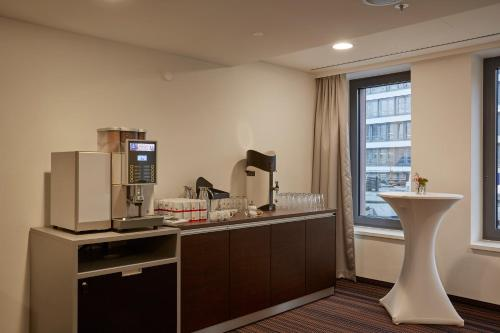 Ramada Hotel Hamburg City Center photo 48