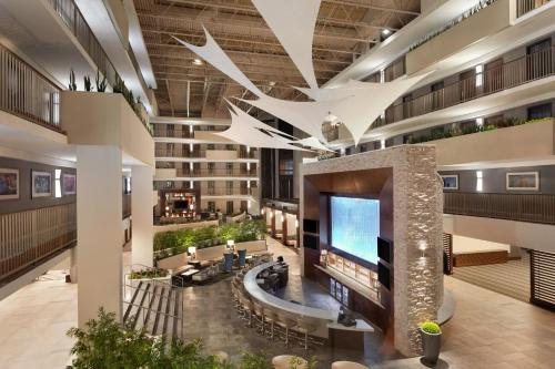 Embassy Suites Atlanta - Airport Photo
