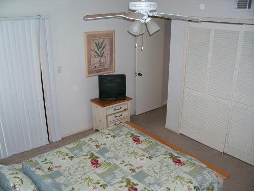 IS12 Saint Augustine Apartment Photo