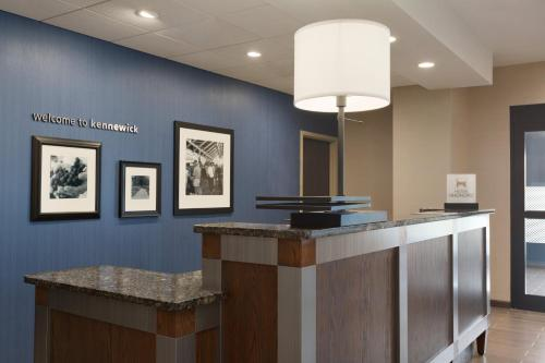 Hampton Inn Kennewick at Southridge, WA Photo