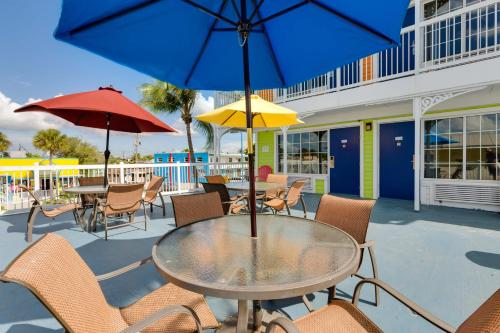 Pierview Hotel and Suites Photo