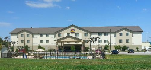 Best Western North Edge Inn Photo