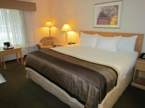 Best Western Plus Sun Country Photo