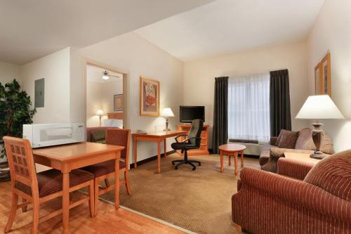 Homewood Suites by Hilton Colorado Springs Airport Photo