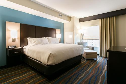 Holiday Inn Hotel & Suites Chattanooga Photo