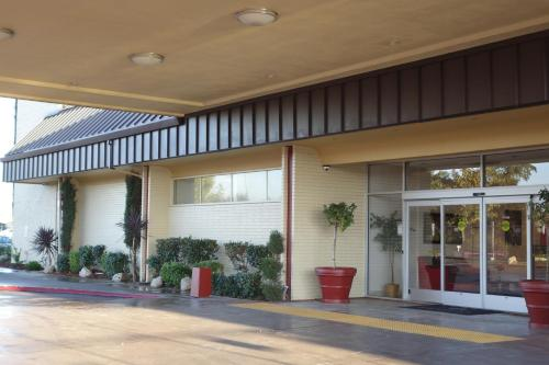 Ramada Sacramento Photo