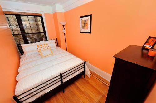 East Side 3 Bedroom And 2 Bathroom Apartment 3 In New York City Ny Non Smoking Rooms