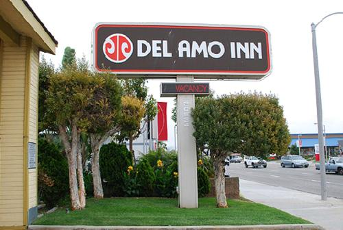 Del Amo Inn Photo