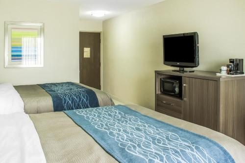 Comfort Inn Dunn Photo