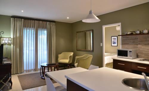 Protea Hotel by Marriott Cape Town Durbanville Photo