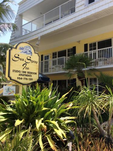 Sea Spray Inn Photo