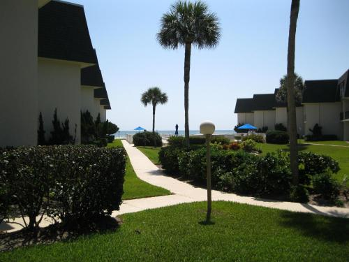 Apartment 113 Surfside Photo