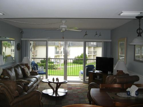 Apartment 216 Surfside Photo