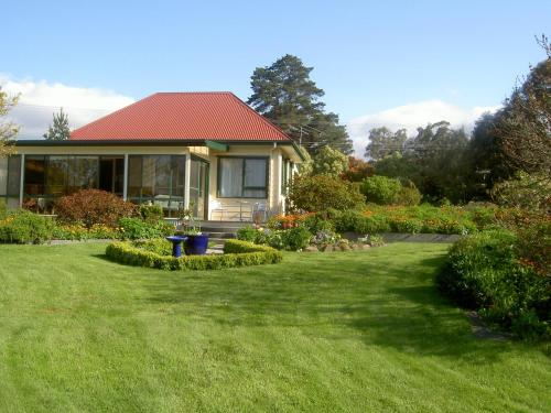 Hamlet Downs Country Accommodation, green hotel in Fentonbury, Australia