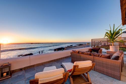 Santa Maria Beach House and Spa Photo