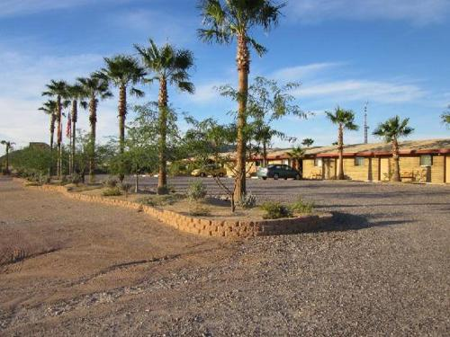 La Siesta Motel & RV Resort Photo