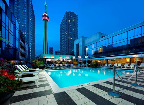 Radisson Admiral Toronto Harbourfront Photo