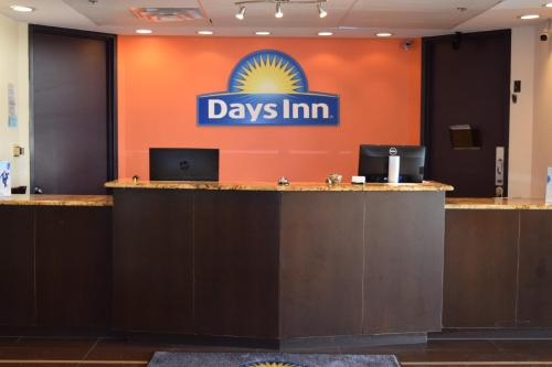 Days Inn Sherman Photo