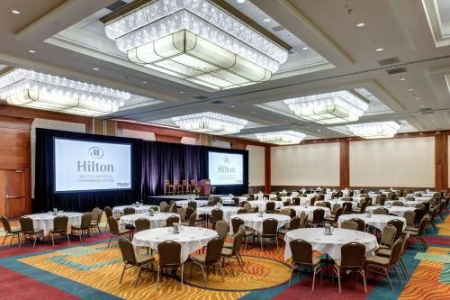 Hilton Seattle Airport & Conference Center Photo