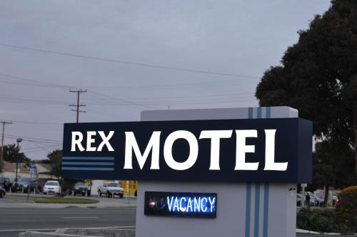 Rex Motel Photo
